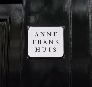 anne-frank-huis-sign.jpg